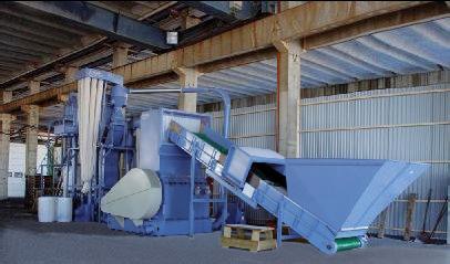 pm 03 2009 1 - HERBOLD-Schneidmühle entsorgt eine der größten Coextrusions Großblasmaschinen der Welt